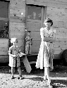 This rural mother in 1939 in Oregon had few...
